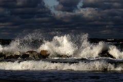 Báltico. Tempestade no mar fotos de stock royalty free