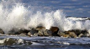 Báltico. Tormenta en el mar fotos de archivo