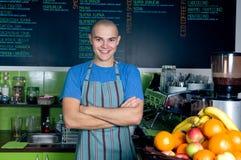 Bárman ou proprietário do café pequeno Imagem de Stock Royalty Free