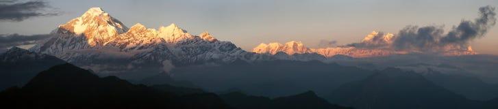 Bâti Dhaulagiri et bâti Annapurna Photographie stock libre de droits
