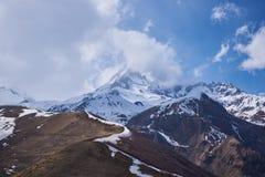 Bâti Kazbek - un stratovolcano dormant dans Caucase image stock