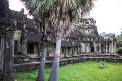Bâtiment à la porte d'Angkor Vat Image stock