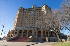 Bâtiment abandonné d'hôtel dans Wells minéral le Texas Images libres de droits