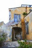 Bâtiment abandonné de quarantaine sur le Curaçao photo libre de droits