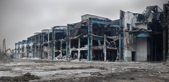 Bâtiment abandonné et démoli d'usine Photos stock