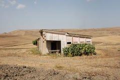 Bâtiment agricole abandonné Image libre de droits