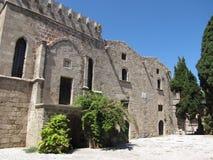 Bâtiment antique dans la vieille photo deux de Rhodes de ville Photographie stock libre de droits