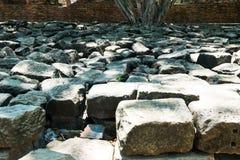 Bâtiment antique en pierre noir, Ayuthaya, Thaïlande Image libre de droits