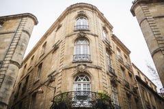 Bâtiment atypique en Bordeaux à côté de Parliament Square images stock