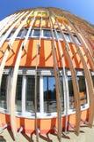 Bâtiment avec des parasols Photo libre de droits