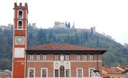 Bâtiment avec la tour et le lion à ailes dans Marostica à Vicence en Vénétie (Italie) Photos stock