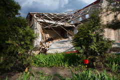 Bâtiment bombardé à Donetsk photo stock