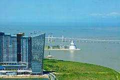 Bâtiment, centre de la Science et pont modernes d'Amizade, Macao, Chine Image stock
