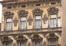 Bâtiment classique de style architectural en Brasov, Roumanie, la Transylvanie, l'Europe Images stock