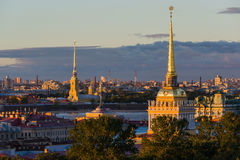 Bâtiment d'Amirauté dans le St Petersbourg Images stock