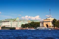 Bâtiment d'Amirauté, St Petersbourg Photographie stock libre de droits