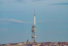 Bâtiment d'antenne de tour de télévision de Prague Zizkov Image stock