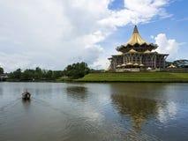 Bâtiment d'Assemblée législative d'état de Sarawak dans Kuching, Malaisie Images stock