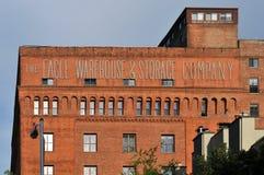 Bâtiment d'Eagle Warehouse et de société d'entreposage photo libre de droits
