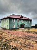 Bâtiment dans Barentsburg Image stock