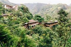 Bâtiment de chinois traditionnel sur le dessus de montagne, Taïwan photographie stock