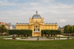 Bâtiment de galerie d'art à Zagreb photographie stock