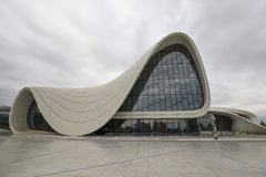 Bâtiment de Heydar Aliyev Center Photos stock