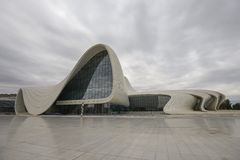 Bâtiment de Heydar Aliyev Center Image stock