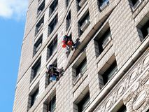 Bâtiment de lavage de fer à repasser de fenêtres Photographie stock libre de droits