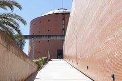 Bâtiment de musée de MEIAC, rampe d'entrée Images stock