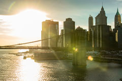 Bâtiment de paysage à New York City avec des fées image stock