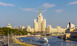 Bâtiment de remblai de Kotelnicheskaya à Moscou Photos stock