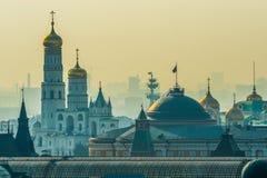 Bâtiment de sénat de Moscou Kremlin avec le président du russe images stock