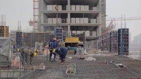 Bâtiment du bâtiment en hiver banque de vidéos