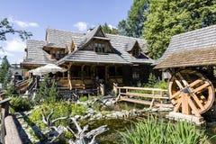 Bâtiment en bois de restaurant régional Images libres de droits