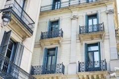 bâtiment espagnol typique de vintage à Barcelone, espagnole Images libres de droits