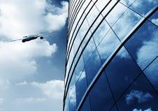 Bâtiment et avions modernes Photos libres de droits