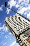 Bâtiment et nuages Photographie stock libre de droits