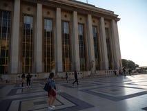 Bâtiment et plancher de Place du Trocadero photos stock