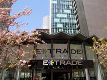 Bâtiment financier en verre d'E*Trade Photos libres de droits