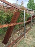 Bâtiment gentil de barrière dans la cour photos libres de droits