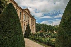 Bâtiment, jardins et Tour Eiffel de Rodin Museum à Paris Image libre de droits