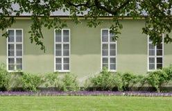 Bâtiment néoclassique vert photographie stock libre de droits