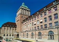 Bâtiment principal de l'université de Zurich horizontal photographie stock libre de droits