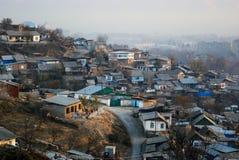 Bâtiment privé peu élevé sur les périphéries de Dushanbe photos stock