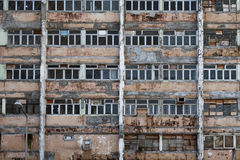 Bâtiment résidentiel abandonné photos stock