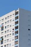 Bâtiment résidentiel ayant beaucoup d'étages en Bordeaux, France Images libres de droits