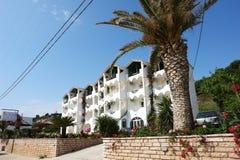 Bâtiment sur la côte de la mer ionienne en Grèce Photo stock