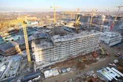 Bâtiments à plusiers étages en construction Photographie stock libre de droits