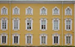 Bâtiments antiques dans le St Petersbourg, Russie Images stock